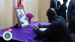President Weah Signs Book of Condolence For Late Minister Mobutu Nyenpan